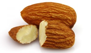 Stockfresh_1566599_almonds-kernel-in-closeup_sizeXS_ce84eb